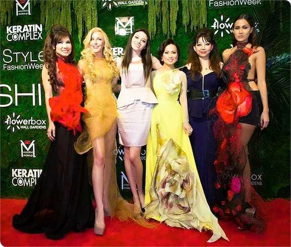 Năm nay, Quỳnh Paris cũng chính thức thành viên của Hội Đồng Nhà Thiết Kế thời trang Mỹ - Council of Fashion Designers of America (CFDA).