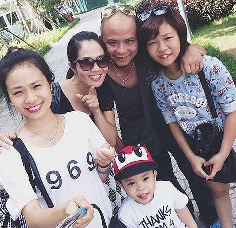 Anh Tuấn là gương mặt được giao nhiều vai phản diện trong phim Việt trong khi Nguyệt Hằng đa dạng ở nhiều tuýp nhân vật. Trên phim trường họ là cộng sự còn khi về nhà, họ là 'một nửa' của nhau, cùng chăm lo cho các con.