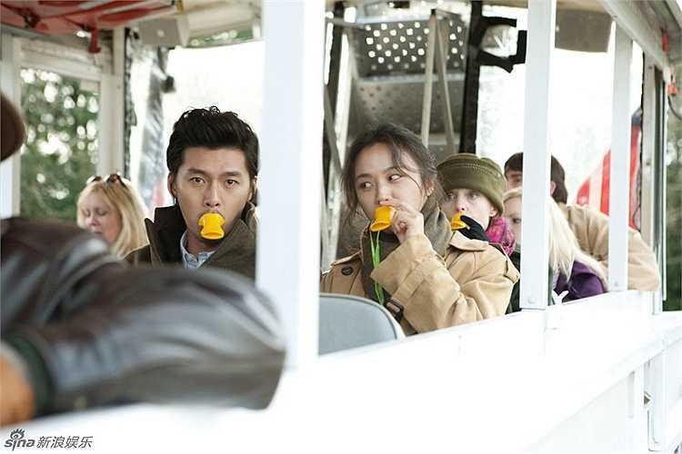 Thang Duy - Hyun Bin: Trong phim Thu muộn/Late Autumn (2010), Thang Duy và Hyun Bin trong vai cặp đôi Anna và Hoon, làm nên câu chuyện tình kỳ lạ giữa hai con người nói 2 thứ tiếng khác nhau nhưng vẫn hiểu nhau mà không cần thông qua ngôn ngữ.