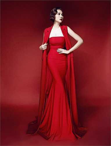 Đặc biệt, anh còn là người định hình phong cách thời trang cho các nghệ sỹ nổi tiếng showbiz Việt.