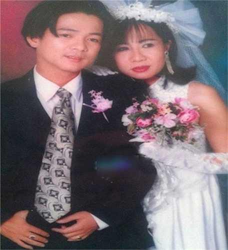 Ca sỹ Vũ Hà tiết lộ ảnh cưới với người vợ bí mật.