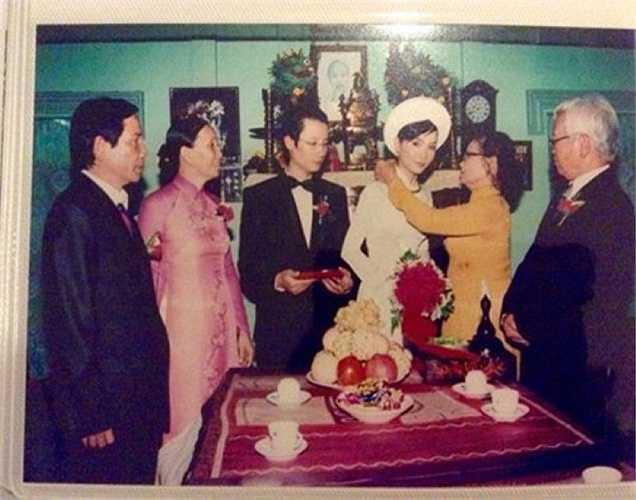 Ảnh cưới của nam ca sỹ Hoàng Bách.