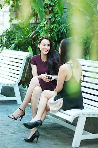 Nữ diễn viên cho biết cô và hoa hậu Thu Hoài quen nhau thông qua sự giới thiệu của ca sỹ Trương Quỳnh Anh và hiện tại nhờ sự hỗ trợ của Hoa hậu Thu Hoài cô đã lấy lại được vóc dáng như thời son rỗi.