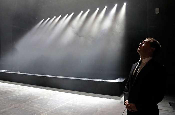 Ông Dmitry Medvedev tham dự lễ khai trương Nhà hát kịch Bolshoi mang tên G.A. Tovstonogov