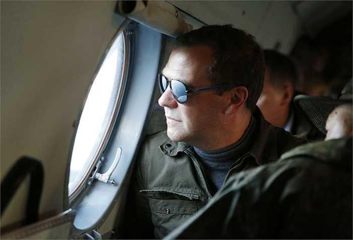Thủ tướng Chính phủ Nga Dmitry Medvedev trong chuyến thăm đến đảo Iturup ở quần đảo Kuriles