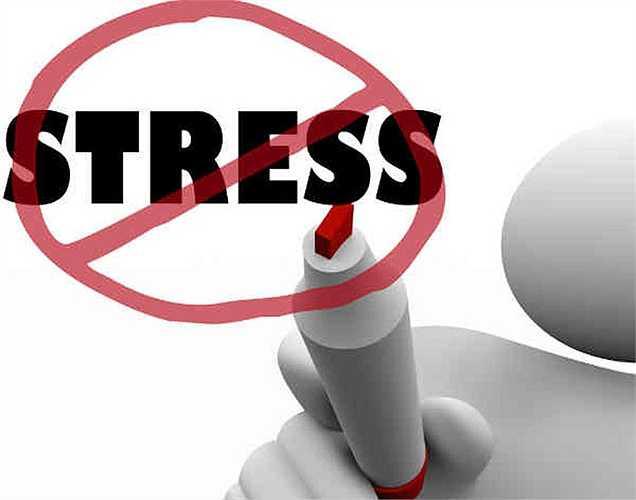 Giảm stress: Giấc ngủ giúp giảm căng thẳng và do đó, khi nghỉ ngơi có thể giảm tác hại do căng thẳng gây ra cho người đó.  Giấc ngủ, ngủ 8 tiếng, đời sống tình dục, sống lâu, miễn dịch