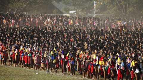 Toàn cảnh lễ hội tuyển vợ của vua Mswati III