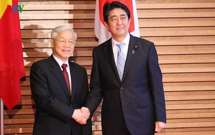 Thủ tướng Shinzo Abe nồng nhiệt chào đón Tổng Bí thư Nguyễn Phú Trọng sang thăm Nhật Bản