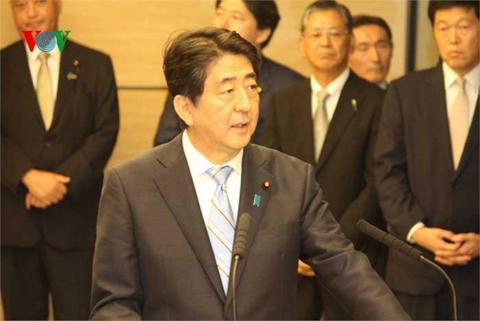 Tổng Bí thư Nguyễn Phú Trọng và Thủ tướng Shinzo Abe đã trao đổi và nhất trí về các phương hướng và biện pháp nhằm thúc đẩy toàn diện và làm sâu sắc hơn quan hệ Đối tác chiến lược sâu rộng Việt Nam – Nhật Bản trong thời gian tới