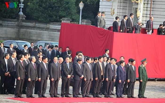 Đoàn cán bộ cấp cao Việt Nam tham gia lễ đón Tổng Bí thư Nguyễn Phú Trọng tại Nhà khách Chính phủ Nhật Bản