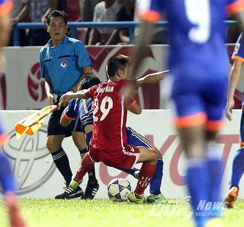 Văn Nam là cầu thủ gần đây nhất nhận án phạt nặng từ Ban kỷ luật VFF