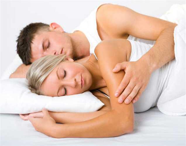 5. Nó cũng giải phóng chất dopamine, tăng cường ham muốn tình dục và mệt mỏi của bạn được thư giãn nhiều hơn sau khi âu yếm.