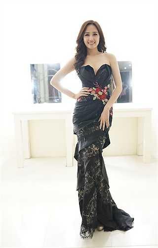 Mai Phương Thuý vừa xuất hiện trong đêm Bán kết Hoa hậu Hoàn vũ Việt Nam 2015 với tư cách giám khảo.