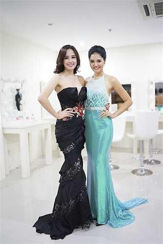 Đọ sắc với Hoa hậu Hương Giang.