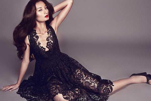Với chiều cao 1m84,5, Lê Thúy hiện là người mẫu cao nhất Việt Nam.