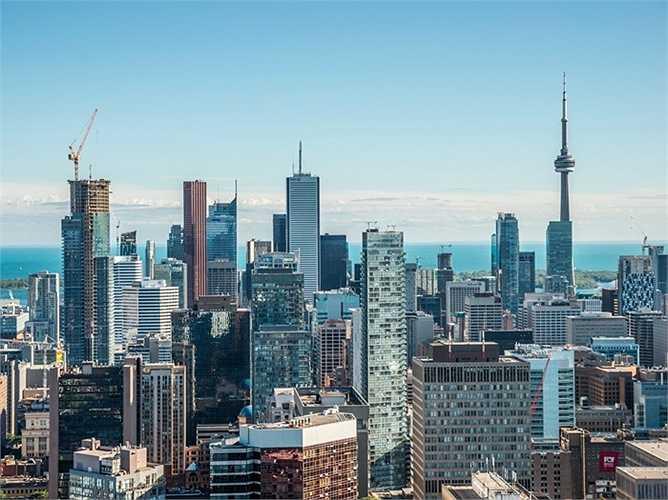 14. Canada: Giá nhà tăng 5,06% so với cùng kỳ năm 2014. Đây là quốc gia có thị trường bất động sản không bị tác động xấu bởi cuộc khủng hoảng tài chính và giá nhà đất đã tăng gấp hai lần trong 10 năm qua.