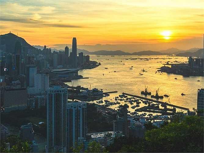 1. Hong Kong: Giá nhà đất tại đây đã tăng lên tới 20,14% so với cùng kỳ năm 2014, trong bối cảnh thị trường bất động sản tại các khu vực khác của Trung Quốc lại đang có dấu hiệu giảm trong thời gian gần đây. (Huyền Trân)