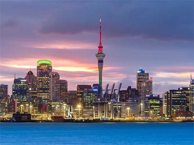 9. New Zealand: Giá nhà tăng thêm 5,39% tính từ thời điểm này của năm trước. New Zealand đã duy trì được mức lạm phát thấp của mình, nhưng lại chưa thể kiểm soát được tình trạng lạm phát giá bất động sản.