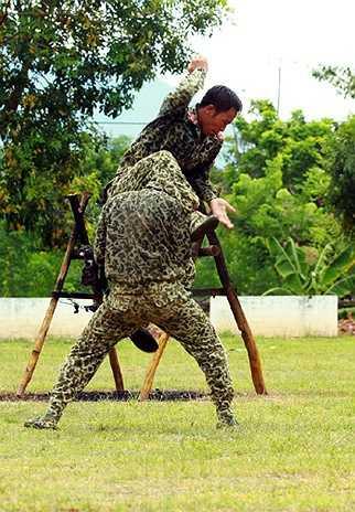 Đặc biệt, các thế võ này do chính các chiến đấu viên đúc kết và sáng tạo ra trong quá trình học tập, rèn luyện