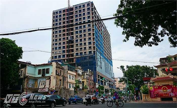 Nằm tọa lạc ở số 8B phố Lê Trực cũ (Ba Đình, Hà Nội) và nay là số 67 đường Trần Phú kéo dài, đây là tòa nhà của Dự án Trung tâm Thương mại - Văn phòng - Nhà ở để bán và cho thuê.