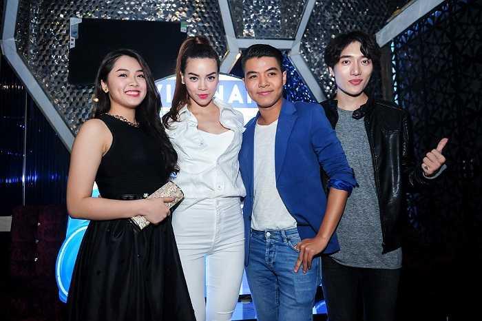 Góp mặt trong lễ ra mắt chương trình truyền hình mới, hot girl Vietnam Idol Khánh Tiên xinh đẹp rạng rỡ trong thiết kế màu đen.
