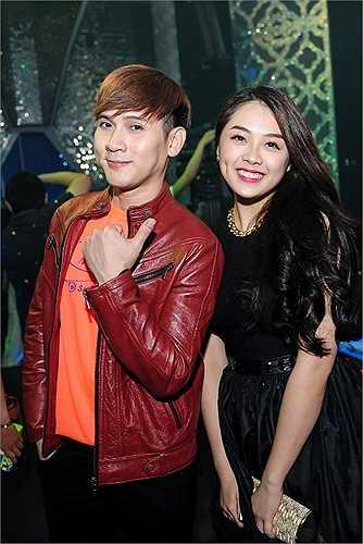Cô nàng cũng vừa cùng quán quân Vietnam idol Trọng Hiếu tham gia show lưu diễn dài ngày khắp cả nước.