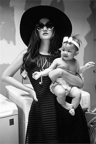 Theo tiết lộ mới nhất, Maya vừa được một kênh truyền hình mời đảm nhận vai trò MC cho một chương trình về chăm sóc em bé và phụ nữ sau khi sinh.
