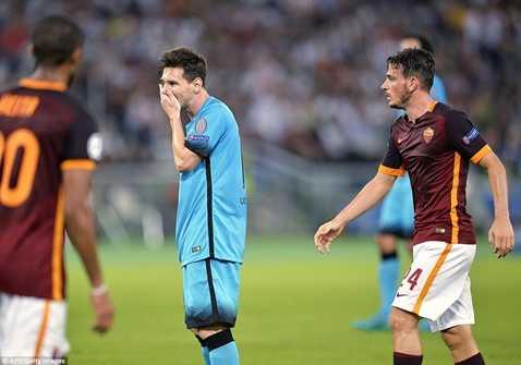 Messi im tiếng trong lần thứ 100 ra sân ở Champions League