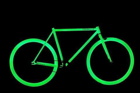 Topbike Fix phát quang cực ấn tượng với các màu: trắng, vàng, xanh nước biển.