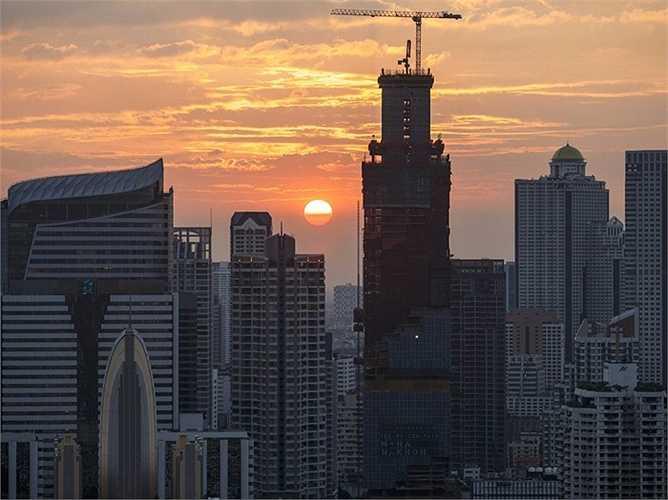 BangKok - Mặc dù tình hình chính trị của Thái Lan đang không ổn định trong suốt thời gian qua nhưng tài chính của quốc gia này vẫn phát triển mạnh mẽ và trèo lên 11 bậc trên bảng xếp hạng các trung tâm tài chính mới nổi của thế giới
