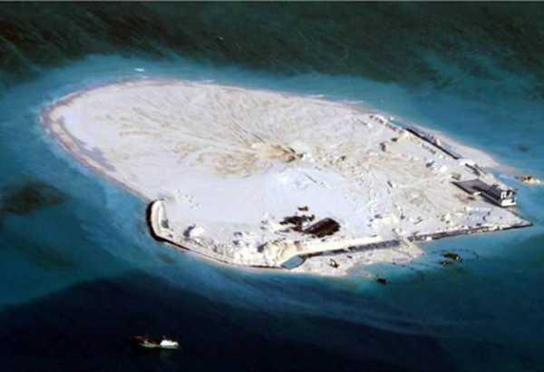 Một hòn đảo Trung Quốc đang tổ chức cải tạo trái phép ở Biển Đông