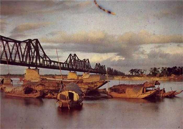 Chứng nhân lịch sử, cây cầu Long Biên.