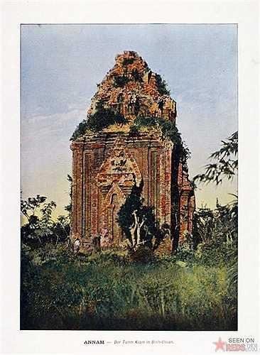 Một toà tháp Chăm ở Mũi Né, Bình Thuận.