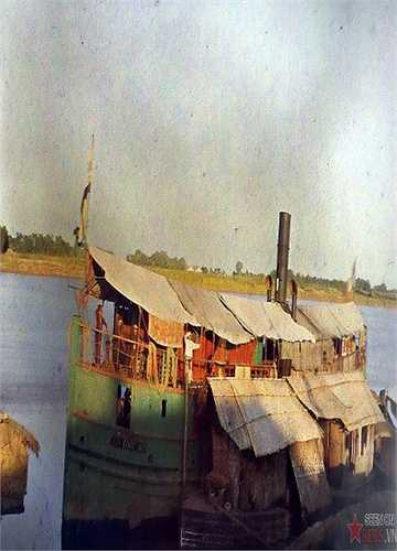 Một con thuyền của người Hoa Kiều, 1915.