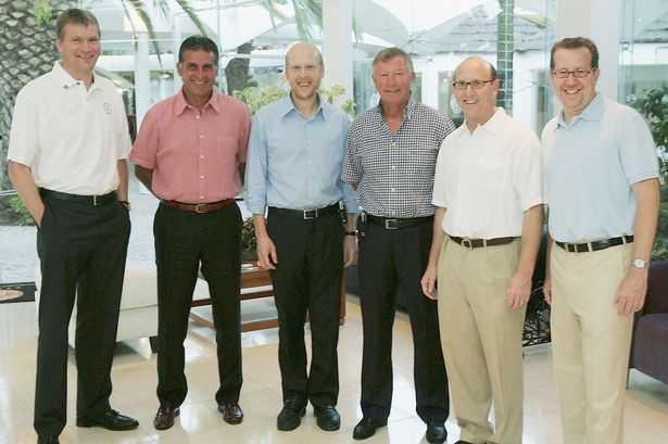 David Gill tin tưởng gia đình Glazer là những người biết cách giúp Man Utd chắc chắn thành công