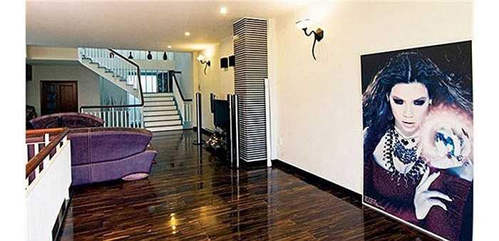 Ngôi nhà này được Hồ Ngọc Hà để lại cho bố mẹ ruột của cô.