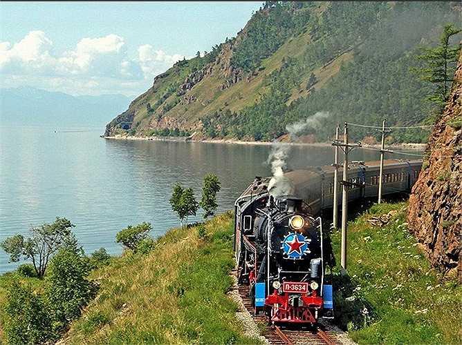 Golden Eagle qua dãy núi Ural: Chuyến tàu xuyên qua những vùng thảo nguyên mênh mông ở Siberia của Nga