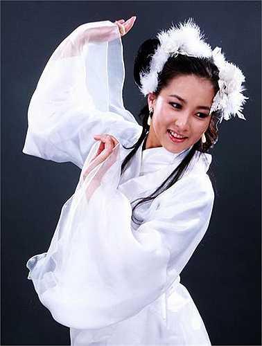 Vẻ trẻ trung và ngọt ngào của Tống Giai vai Hằng Nga trong Ngã đích lão bà khiếu Thường Nga.