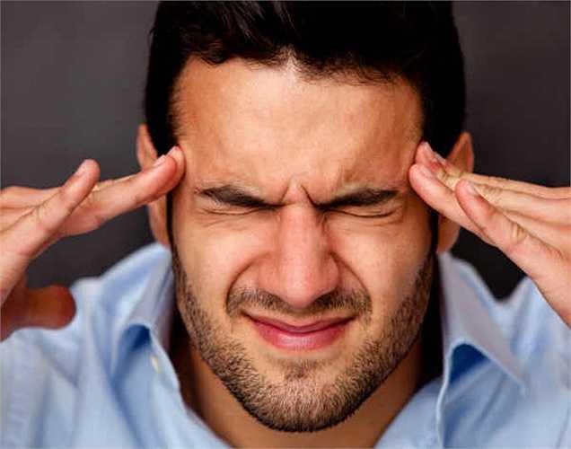 Nhức đầu: Khi thiếu sắt cản trở ôxy cung cấp cho não, các mô bị làm phiền và các động mạch của bộ não có thể sưng lên và dẫn đến đau đầu.