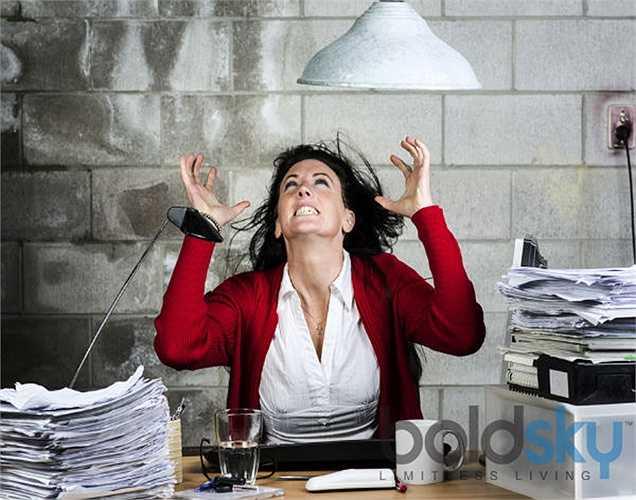 Lo lắng: không thể tránh khỏi khi bạn căng thẳng vì những lý do khác nhau. Nhưng sự lo lắng làm bạn bực mình? Thì bạn nên đi kiểm tra sắt trong máu. Trái tim không nhận đủ oxy nó sẽ đập nhanh hơn, tác động lên hệ thống thần kinh làm bạn lo lắng hơn.