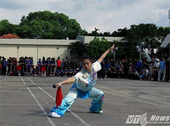 Biểu diễn võ Woshu của đại diện Đoàn Thể dục thể thao Bộ đội Biên phòng.