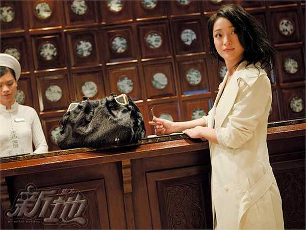 Châu Tấn sang trọng và quý phái bên trong khách sạn được đánh giá là sang chảnh nhất Hà Nội.
