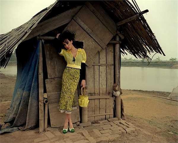 Sao gốc Việt, Maggie Q (Lý Mỹ Kỳ) từng tới Việt Nam thực hiện bộ ảnh thời trang vào năm 2005.