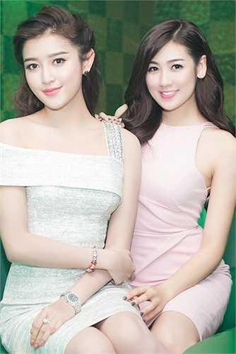 Hai nàng Á hậu đọ sắc.