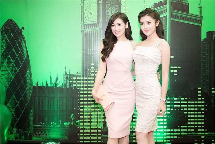 Cùng ngắm thêm những hình ảnh đẹp của hai Á hậu Việt Nam:
