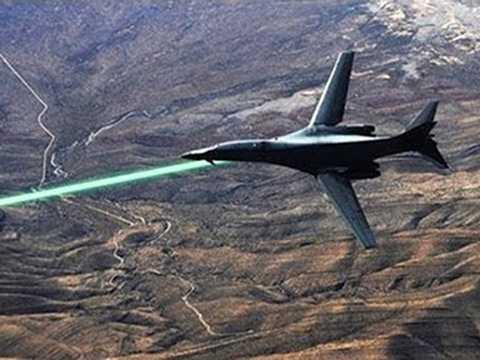 Máy bay chiến đấu được trang bị tia laser cực kỳ hiện đại