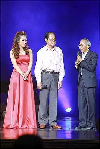 Chênh nhau tới gần 30 tuổi, nhưng Bảo Yến và Tùng Dương đã hát say đắm bên nhau với giọng hát không hề có tuổi, Bảo Yến trẻ trung nồng nhiệt như không có bất cứ sự tác động thời gian nào 'chạm' được đến chị.
