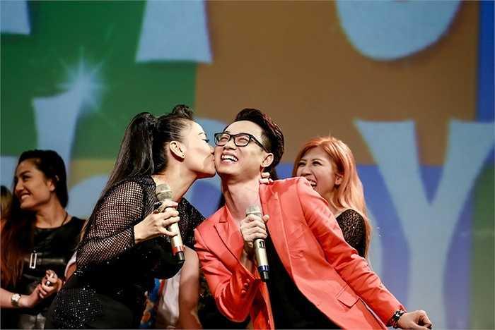 Màn thử thách đã khiến các khán giả vô cùng phấn khích vì tài năng của dàn học trò Thu Minh đã biến bài hát Happy Birthday trở nên độc đáo hơn.