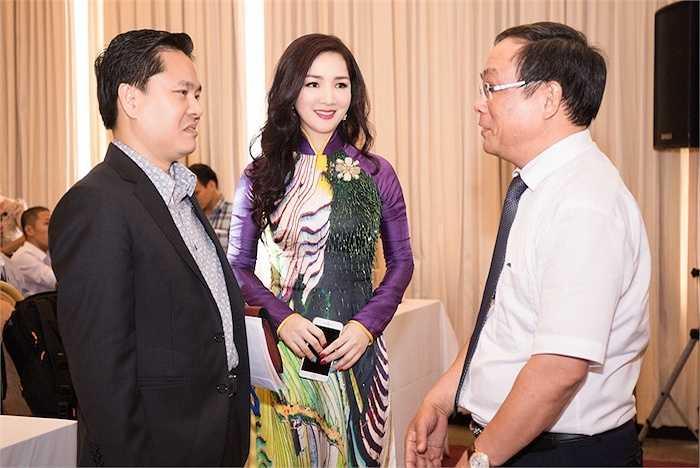 Sự kiện có sự tham gia của nhiều quan chức cấp cao như Viện Trưởng Viện Hàn Lâm (uỷ viên TW Đảng) Nguyễn Xuân Thắng, chủ tịch UBND tỉnh Thừa Thiên Huế Nguyễn Văn Cao.