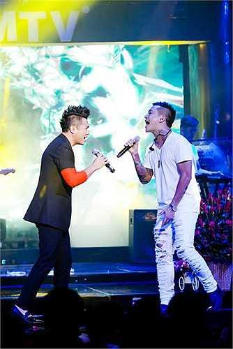 Lâm Vũ đã trình bày hơn 20 bài hát trong chương trình bao gồm các ca khúc đơn ca được khán giả yêu thích trong thời gian qua và cả những bài song ca cùng khách mời là những anh chị em đồng nghiệp thân thiết